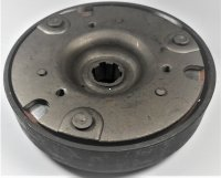 Rear Clutch 50-125cc Honda Copy Automatic ATVs, Dirtbikes Bell ID=104mm Shaft=17mm NOTE: This does not come with the washer that Fits inside the clutch bell. You will need to reuse the washer from your old clutch.